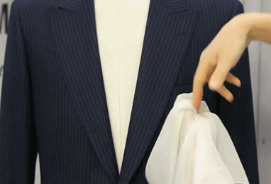 Complete a Stylish Jacket with a Stylish Pocket Square